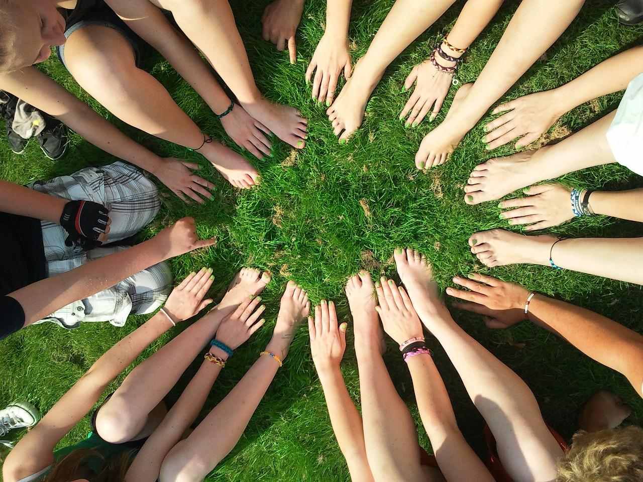 Team_hands_and_feet