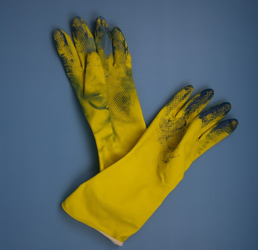 yellow_gloves-1