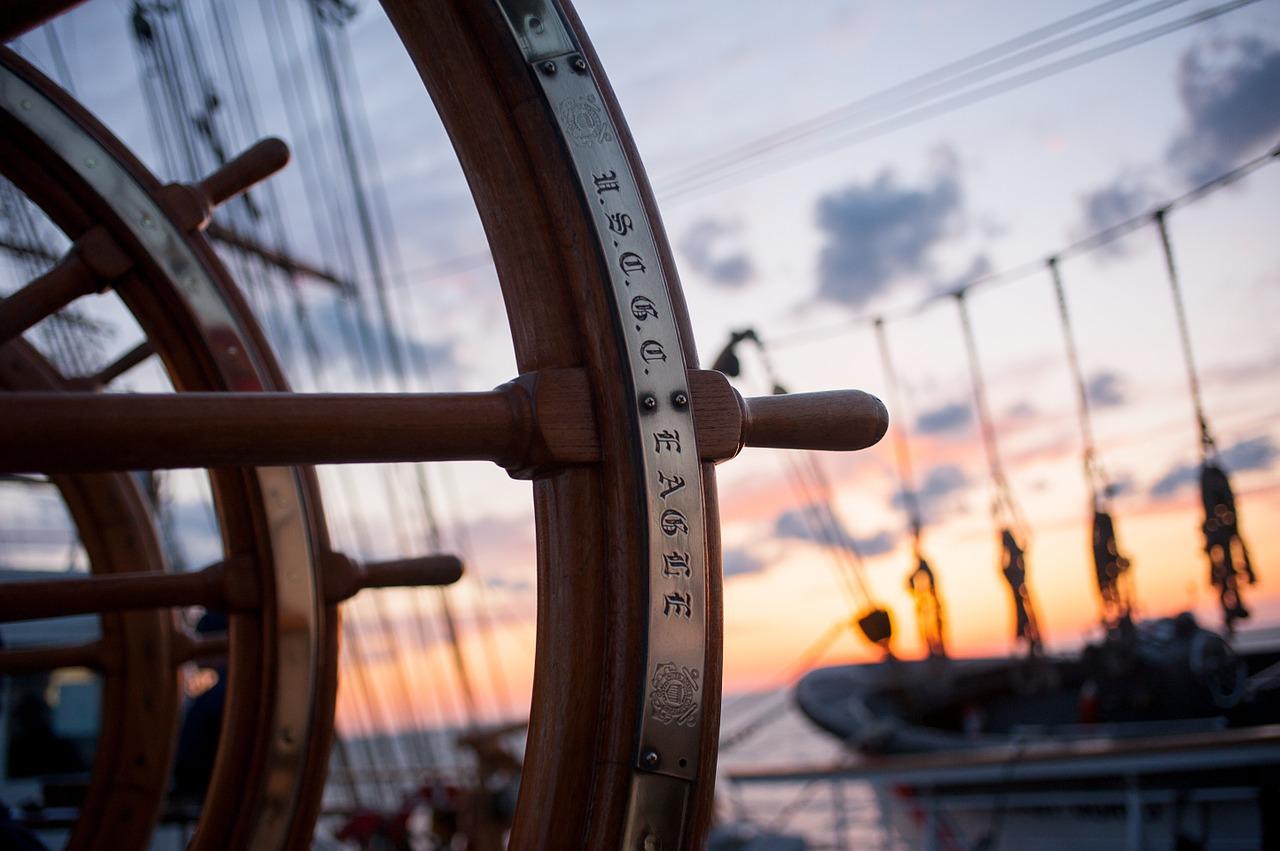 ship-helm-759954_1280